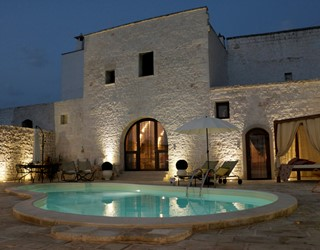 Casa di Sole, stylish, charming with private pool near Ostuni