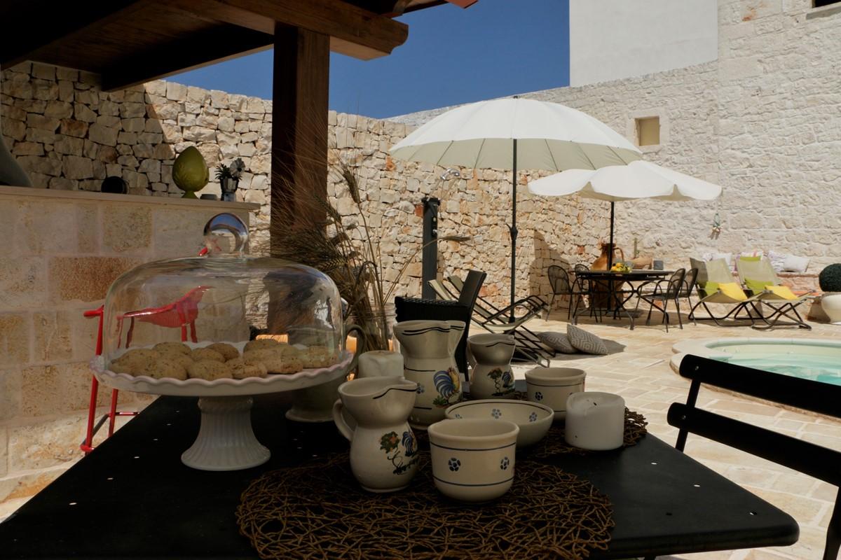 Casa Di Sole Breakfast Outside