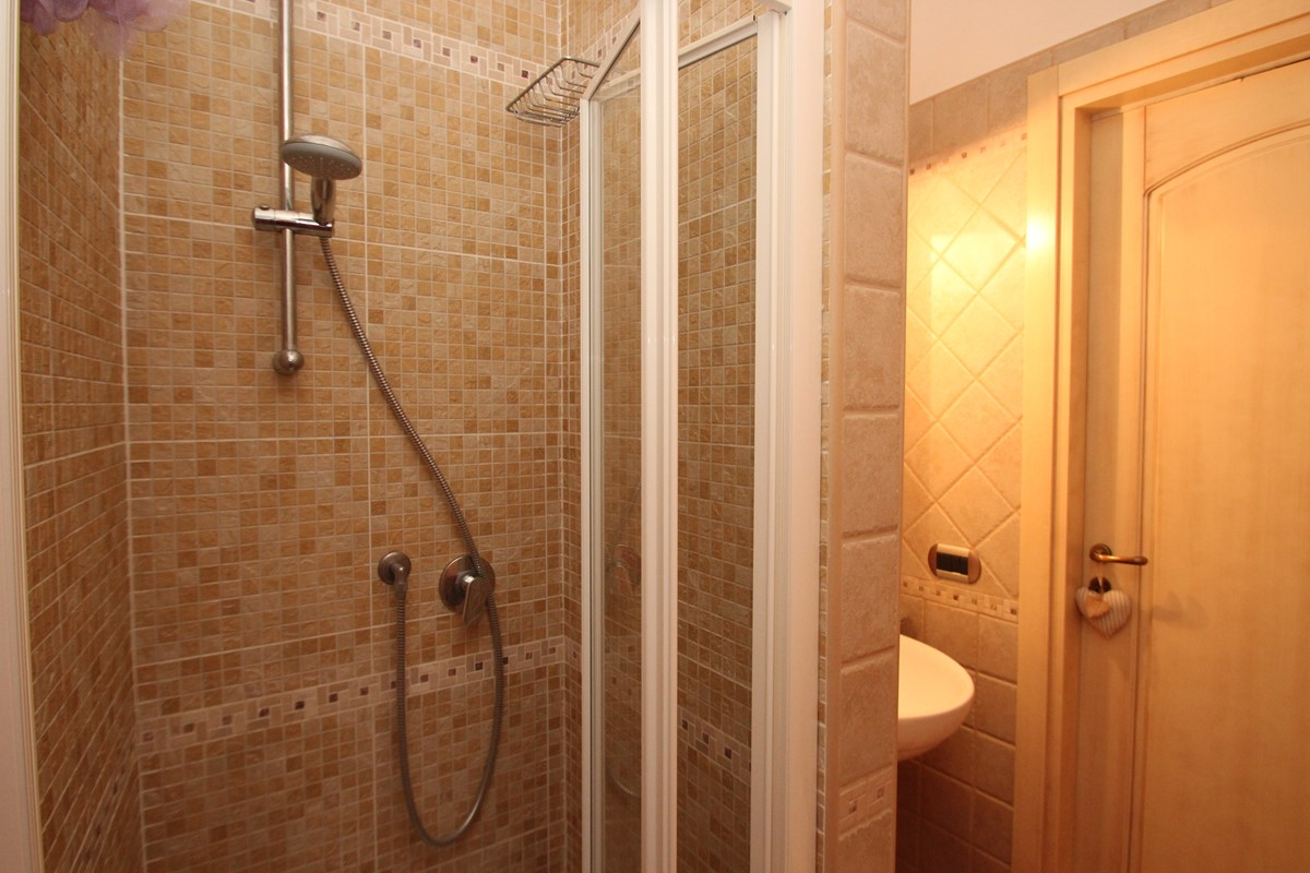 Case Di Sole Apt 2 Shower